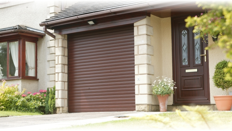 roller shutter garage door in aluminium and electric operation